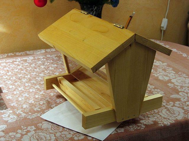 instrument din lemn pentru găini
