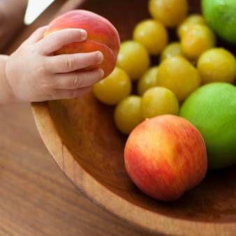 Šta voće može dati vaše dijete. Sušeno voće za djecu