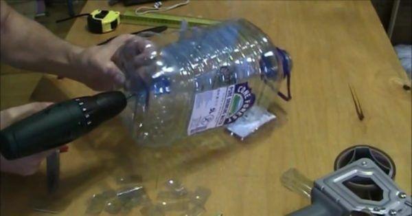 Fabricarea de sticle din plastic