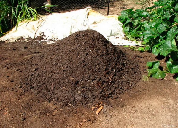 Hromada suchých hnojív