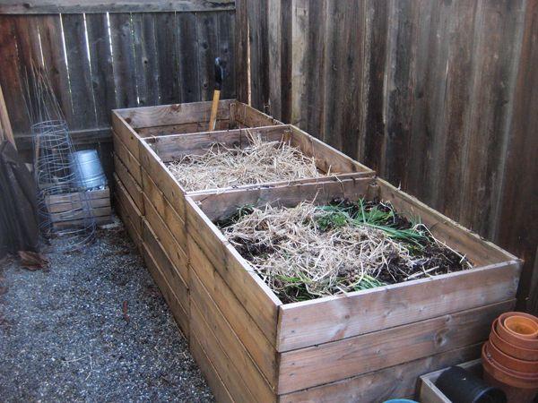Krabica s kompostom na mieste