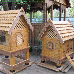 Două case pentru găini
