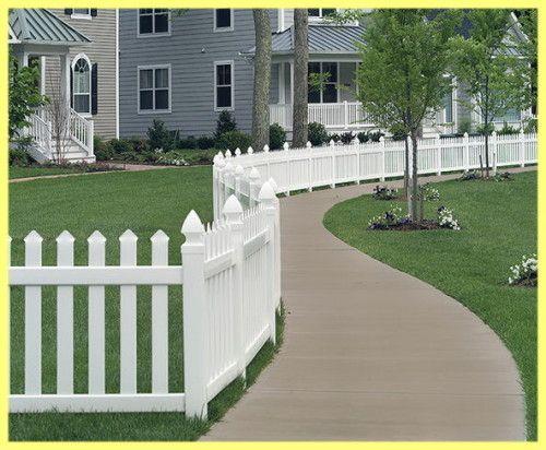 Prednosti plastične ograde za prigradskim naseljima
