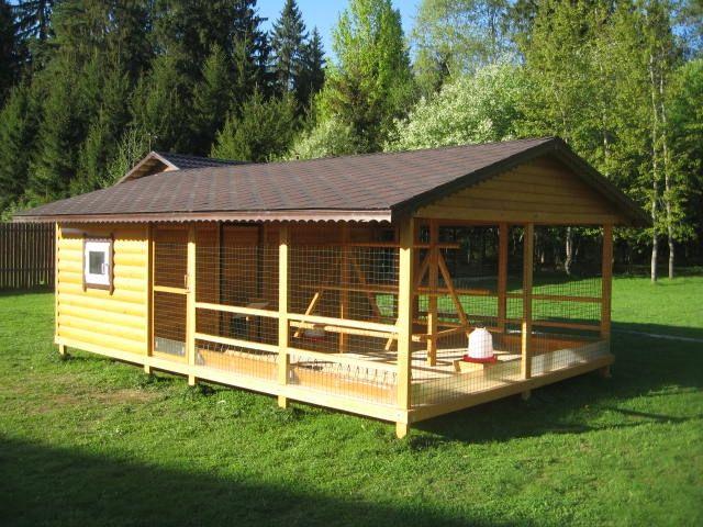 Construit un coteț în țară